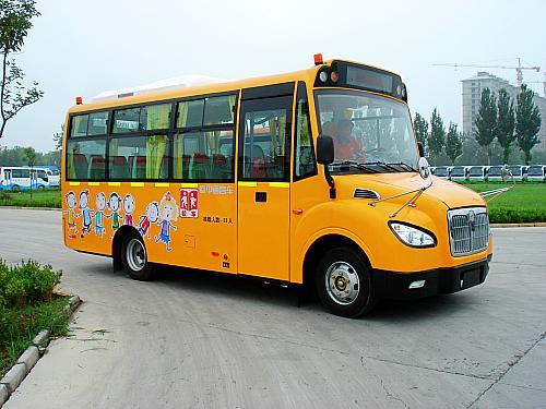 幼儿园校车