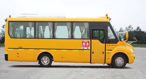 东风24-45座,24-44座幼儿专用校车