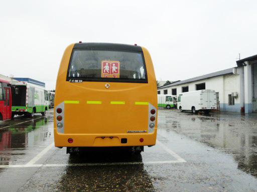 东风24-30座小学生校车