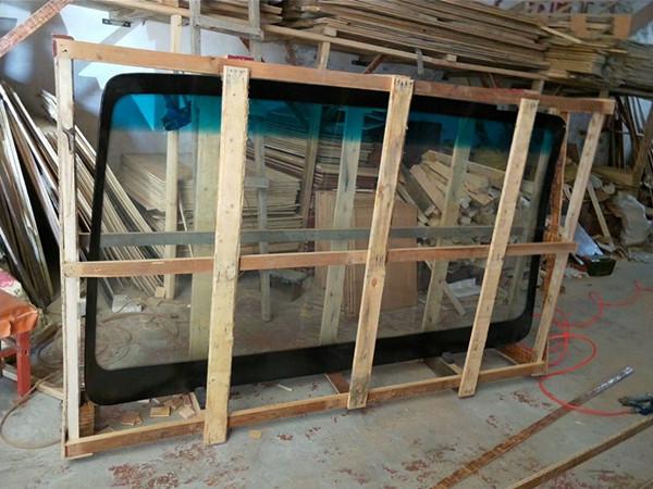 中通客车后挡风玻璃